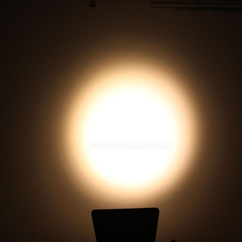 Fresnel Light Warm 3200K LED 200W